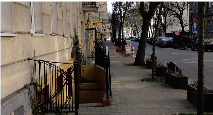 ulice, Zielona Tarczyńska Zapraszamy spotkanie - zdjęcie, fotografia