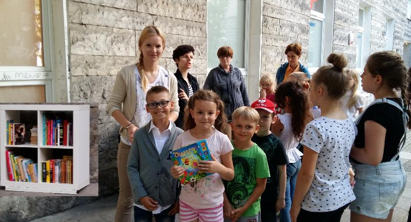 literatura, Biblioteka chmurką Placu Baśniowym - zdjęcie, fotografia