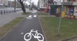 Rowerem po ulicy Banacha.