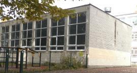Szkoła Podstawowa nr. 264 i jej sala gimnastyczna .