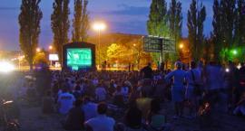 Kino pod chmurką na Polu Mokotowskim